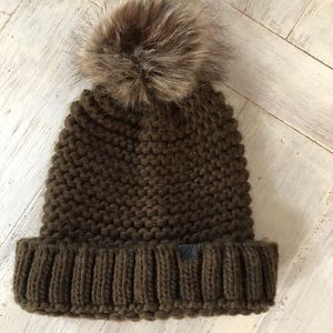 D&Y Olive Green Pom Beanie